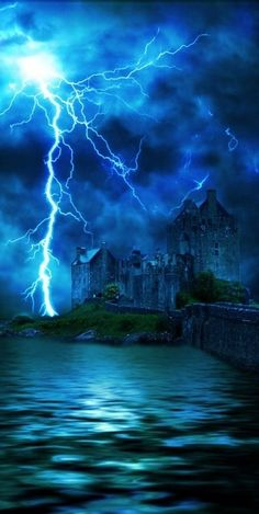 "Lightning Storms: ""Thunder and Lighting,"" by extreme-girl. All Nature, Science And Nature, Amazing Nature, Beautiful Sky, Beautiful World, Images Cools, Thunder And Lighting, Fuerza Natural, Wild Weather"