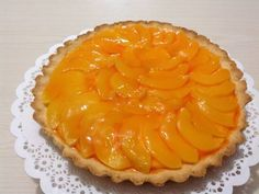 Tarta de durazno con pastelera y Chantilly Receta de Haydee Agreda - Cookpad Sweets, Fish, Desserts, Yema, Jenni, Pasta, Cakes, Kitchen, Apple Muffins
