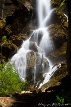 Grizzly Falls, Kings Canyon National Park - California.