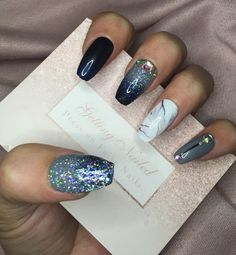 Size Small Medium Round Oval Grey Silver Glitter Hand Painted False Fake Nails