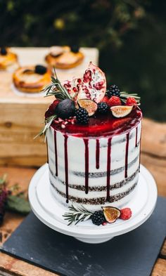 Every Wedding Cake Question You've Ever Had, Answered