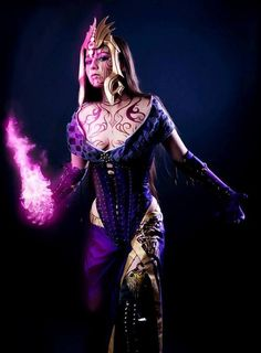 awesome MTG Planeswalker Liliana cosplay