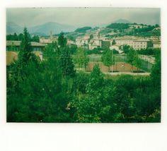 Estate 1975 - Panoramica di Matelica da Via Raffaello (Quartiere stazione). Foto Polaroid.