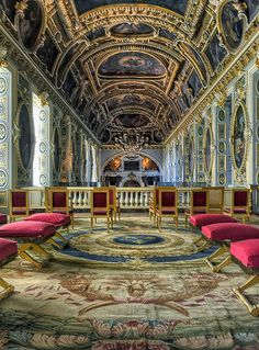Le château de Fontainebleau by Ganymede2009. Discover French Castles for your meeting with www.louis-event.com