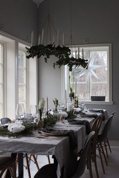 emsloo.blogg.se Christmas Table Settings, Christmas Tablescapes, Christmas Table Decorations, Christmas Trends, Christmas Inspiration, Christmas Home, Xmas, Decoration Design, Decoration Table