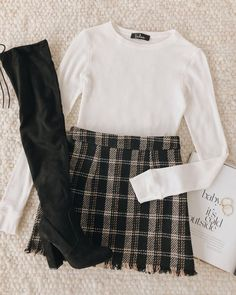 Outfit of the day inspiration Teen Fashion Outfits, Edgy Outfits, Skirt Outfits, Cute Fashion, Inspiration Mode, College Outfits, College Closet, Cute Casual Outfits, Looks Style