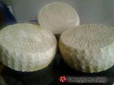 Φτιάχνω τυρί σε χρόνο ρεκόρ #sintagespareas Food Network Recipes, Food Processor Recipes, Cooking Recipes, Easy Cooking, How To Make Cheese, Food To Make, Making Cheese, Yogurt, Cyprus Food