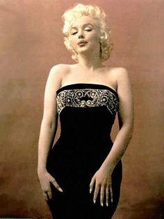 Marilyn Monroe Photo: 'The saddest girl I've ever met' Glamour Hollywoodien, Hollywood Glamour, Hollywood Stars, Old Hollywood, Estilo Marilyn Monroe, Marilyn Monroe Fotos, Joe Dimaggio, Most Beautiful Women, Beautiful People