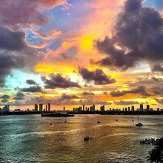 Happy #SundayMorning Miami  Photo by @mattdunnphotography #happyoctober
