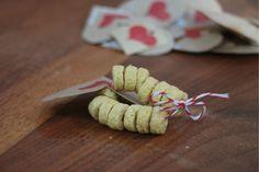 kids v day bracelets - for her special valentine. http://www.puremamas.com/