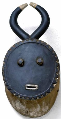 Masks Art, Clay Masks, African Masks, African Art, Ceramic Mask, Atelier D Art, Art Premier, Statues, African Culture