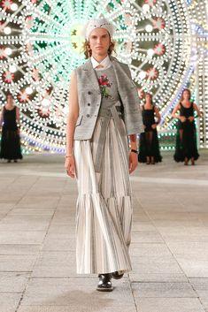 Dior Fashion, Fashion Week, Fashion Show, Womens Fashion, Fashion Trends, Runway Fashion, Vogue Paris, Mannequins, Christian Dior Couture