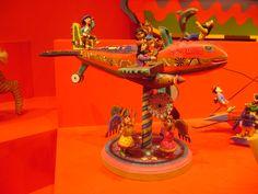 """""""Barco,2011"""" hecho por Jose Cicero Da Silva , hecho con madera cortada , tallada, y policromada, de Brasil."""