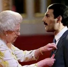 FREDDIE MERCURY AND THE BRITISH QUEEN