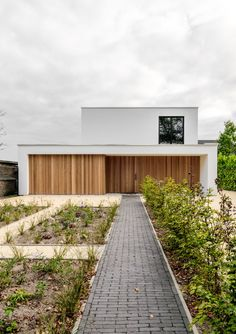Nieuwbouw industriële woning :: Obly Minimalist Architecture, Minimalist Interior, Modern Architecture, Narrow House Designs, Forest View, Modern Exterior, Exterior Homes, Home Deco, Future House