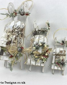 These great MDF set of 3 sledges are great to be used as a platform for all types of decoration for any occasion. Beautiful for creating a lovely Christmas mood and scenery by adding few more embellishments. Beautiful Christmas Decorations, Christmas Gift Decorations, Christmas Centerpieces, Christmas Tree Ornaments, Christmas Wreaths, Shabby Chic Christmas, Christmas Mood, Christmas Makes, Candle Arrangements