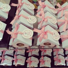 Casinhas de passarinhos :D lembrancinha de aniversário Bird Party, Butterfly Party, Fun Crafts, Diy And Crafts, Crafts For Kids, Diy Paper, Paper Crafts, Birthday Bag, Bebe Baby