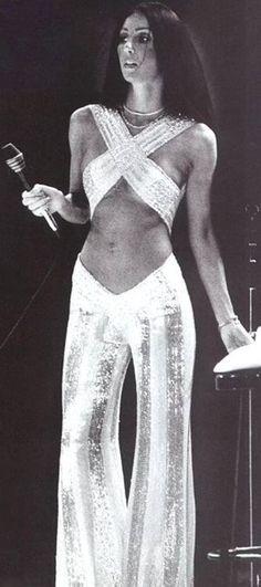 Fashion disco women studio 54 ideas for 2019 Moda Vintage, Vintage Mode, Vintage 70s, 70s Fashion, Vintage Fashion, Studio 54 Fashion, Trendy Fashion, Fashion Black, 1970s Disco Fashion
