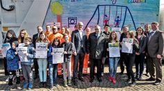 Schulprojekt R(h)ein in Duisburg: Sieben rollende Kunstwerke ausgezeichnet