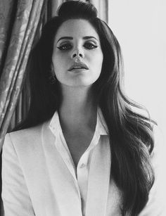 lana del rey is so beautiful <-- This is the truth. #LanaDelRey