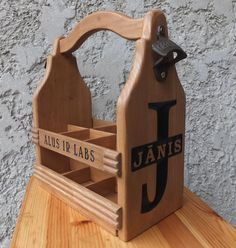 Wood Beer Carrier - Wooden Beer tote - Six Pack Caddy - Personalized Gift - Groomsmen gift, birthday Gift - Craft Brewing