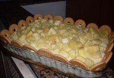 A Torta de Biscoitos com Abacaxi é uma sobremesa leve, deliciosa e que vai agradar toda a família. Faça hoje mesmo! Veja Também:Torta de Biscoito com Crem