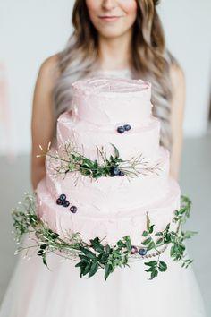 Wedding cake in rose