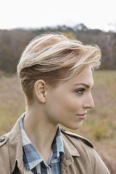 Los cortes de pelo corto son realmente una experiencia liberadora para las mujeres que hoy en día se mantienen muy ocupadas facilitá...