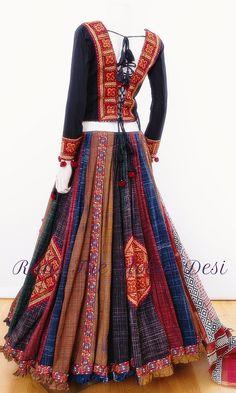 Dress Indian Style, Indian Fashion Dresses, Indian Designer Outfits, Indian Wear, Fashion Outfits, Saree Blouse Neck Designs, Choli Designs, Lehenga Designs, Garba Dress