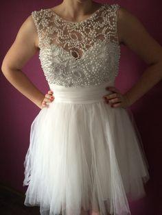 Biała sukienka z perełkami ❤️