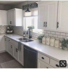 home decor kitchen cool 52 Cozy Color Kitchen Cabinet Decor Ideas Kitchen Cabinets Decor, Kitchen Cabinet Colors, Cabinet Decor, Farmhouse Kitchen Decor, Kitchen Redo, Kitchen Colors, Home Decor Kitchen, Home Kitchens, Kitchen Countertops