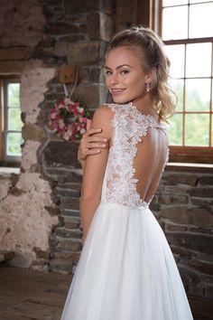 #Bride #Wedding #Sweetheart