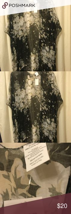 One size fits all cover up Black and cream one size fits all cover up Accessories Scarves & Wraps