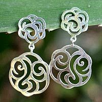 Summer Rose from @NOVICA, They help #artisans succeed worldwide.