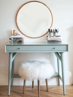 If you love makeup, then you need a makeup vanity table. A vanity table will keep all your makeup organized and will give you a comfortable place to apply it. You can create a makeup area that suits your style. Beauty Vanity, Beauty Makeup, New Room, Floating Shelves, Floating Vanity, Bedroom Decor, Bedroom Ideas, Bedroom Wall, Bedroom Furniture