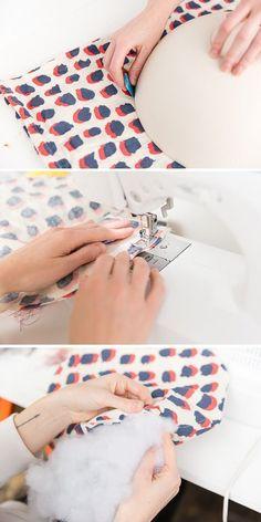 diy anleitung kleinen lederbeutel ohne n hen selber machen via lederbeutel. Black Bedroom Furniture Sets. Home Design Ideas