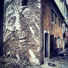 O trabalho do artista português Alexandre Farto, mais conhecido por Vhils