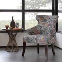 Rien de plus confortable et esthétique en même temps qu'un fauteuil motif Paisley pour dégager du charme dans votre pièce rétro... #astucedeco #fauteuil #fauteuiltendance #paisley #decoration