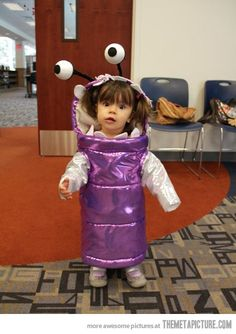 I hope I have a little brunette girl one day so she can be this for Halloween!! SO CUTE!!
