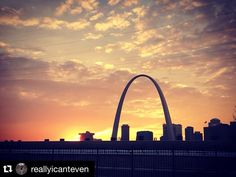#Repost @reallyicanteven  Sweet home St. Louis  #StLouis #HomeSweetHome #314 #STL #Sunset #Illinois #Missouri