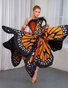 Monarch Butterfly Dress    One of the reasons I absolutely <3 butterflies: they are so majestic!