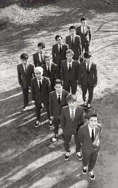 ♡ EXO E at first I was like... When did Luhan get so tall then I realized it was Sehun