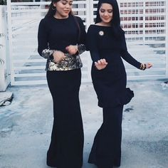 """""""I believe that happy girls are the prettiest girls."""" Audrey Hepburn.   On Right: @fashazreen is twirling her Lace Cape Baju Kurung with a little ruffle details above the knees. Love the happy vibe going on here.     Get her Baju Kurung via VERCATO.com (Search: VERCATO Amelia in navy blue) 