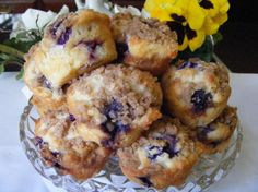THE BEST flavored blueberry muffins youll ever eat! You can use fresh or frozen blueberries for this recipe. We live in an area where there are several blueberry farms and fill our freezer. These muffins are a special treat! Blueberry Cream Cheese Muffins, Blue Berry Muffins, Blueberry Cheesecake, Mini Muffins, Just Desserts, Dessert Recipes, Cupcake Recipes, Yummy Treats, Yummy Food
