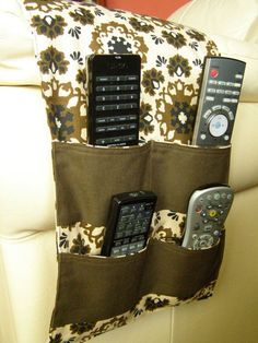 Organizer Caddy TV Remote Control Holder 4 pocket brown print neutral via Etsy Remote Control Organizer, Remote Caddy, Remote Control Holder, Tv Remote Controls, Bed Caddy, Sewing Hacks, Sewing Projects, Chair Pockets, Pocket Organizer