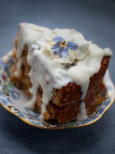 scottish oatmeal yogurt jam cake! I cant believe I found this recipie!!!! I am making this soon for sure!!!