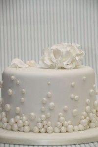 Hochzeitstorte elegant weiß Rose Winter More
