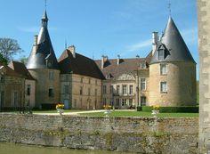 Chateau Commarin 02 - Liste von Burgen, Schlössern und Festungen in Burgund – Wikipedia – Foto Christophe.Finot