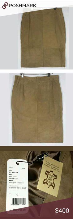 "Akris Brown Goat Suede Leather Pencil Skirt SZ 10 100 % goat suede  2"" waistband  Hidden zipper hand pockets. Hidden zipper in back. Fully lined. Made in Switzerland.   Measurements :  Waist 32  Waist to hem 24.5  Hip 40 Akris Skirts Pencil"