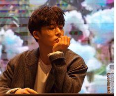Kim Hanbin, Side Profile, Dimples, Ikon, Akira, Pretty People, Couple Photos, Flower, Beautiful People